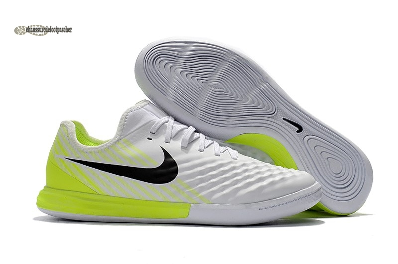Ventes pas cher Nike MagistaX Finale II IC Blanc
